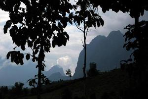 laos vang vieng landskap foto