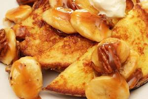 bananer främjar fransk toast foto