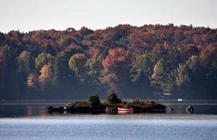 sjö på hösten foto