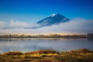 berg fuji och kawaguchiko sjö foto