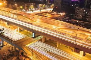 natt utsikt över staden i Kina foto