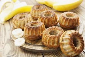 hemgjord banankaka foto