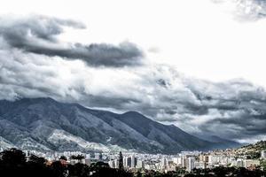mer berg än stad foto