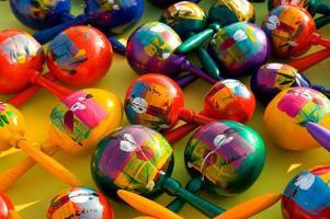 färgglada maracas foto
