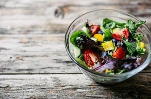 hälsosam grönsallad foto
