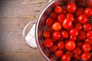 tomater i durkslag. foto