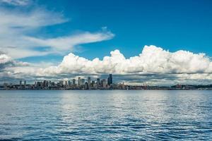 moln över smaragdstad 2 foto
