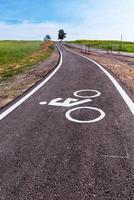 dedikerade cykelfält vid parker foto