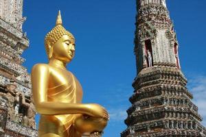 wat arun i Bangkok av Thailand foto