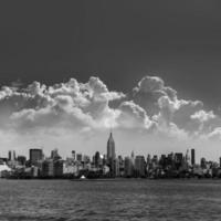 manhattan new york skyline från hudson river foto