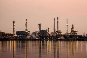 oljeraffinaderi i Bangkok Thailand. foto