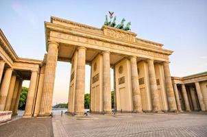 Brandenburg gate i Berlin, Tyskland foto