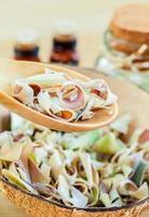 naturliga spa-ingredienser. - citrongräs eterisk olja för alterna foto