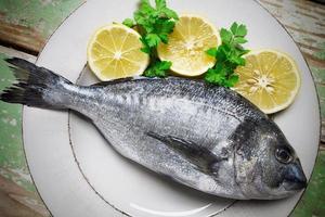 fisk och citron foto