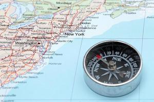 resmål destination New York USA, karta med kompass foto