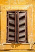 fönsterluckor, Rom, Italien foto