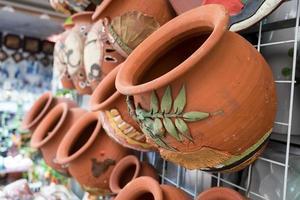 traditionell keramisk keramik i bat trang, Vietnam foto
