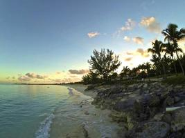 soluppgång över san salvador, Bahamas foto