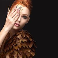 vacker flicka i bilden av Phoenix foto
