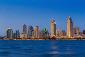 horisont av San Diego, Kalifornien från Coronado Bay