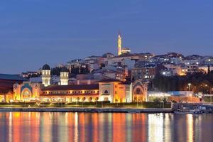 istanbul i skymningen foto