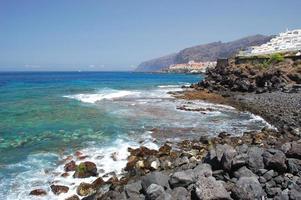 natursköna kustlandskap i Puerto de santiago, tenerife, Spanien