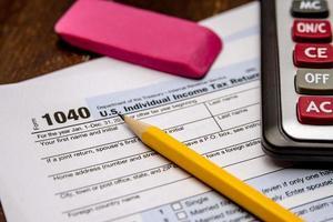 arkiveringsskatter och skatteformulär foto