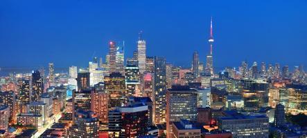 urban panoramafoto av skymningstid i toronto foto