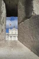 madrid spanien - 6 december 2014: kungliga palatset i madrid