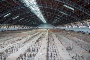 qin-dynastin terrakotta armé, xian (sian), porslin foto