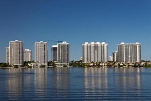 villabyggnader i Miami, Florida. foto