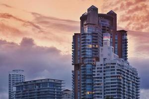 Miami Beach lägenheter vid solnedgången foto