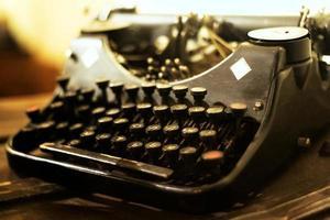 gammal skrivmaskin foto