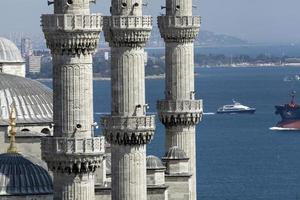 blå moské (sultanahmet moské) minareter foto