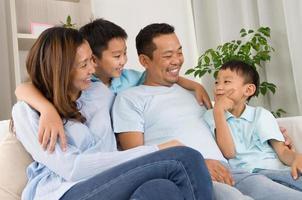 asiatisk familj foto