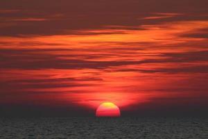 solnedgång havet foto
