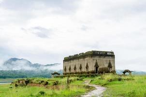 forntida tempel muang badan (under vattnet), sangkhla buri, kanchanaburi-provinsen, Thailand