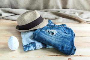 uppsättning olika kläder och accessoarer för män foto