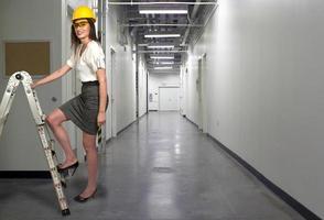 kvinnlig byggnadsarbetare foto