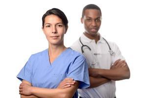 framgångsrik kvinnlig läkare i scrubs foto