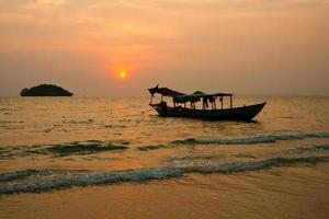 solnedgång på Kambodja foto