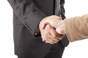 bild av manliga och kvinnliga händer som skakar foto