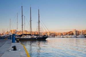 zea marina, athens. foto
