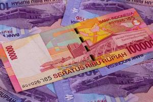 olika rupiahsedlar från Indonesien foto