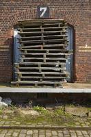 hamburg - gammalt lager i hamnen