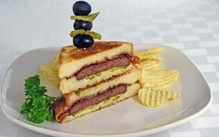 grillad patty melt smörgås foto