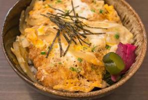 stekt ris med ägg foto