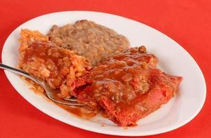 nötkött enchiladas rojo foto