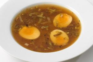 japansk soppa med ägg foto