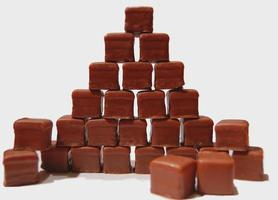 dominostein pyramid foto